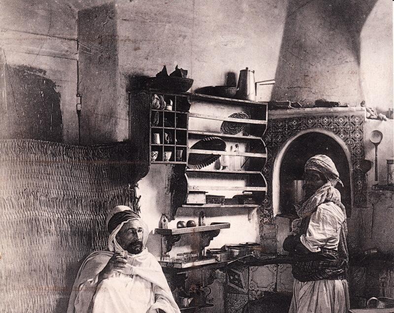 biskra-interieur-dun-cafe-anonyme1880-collection-dora-dr