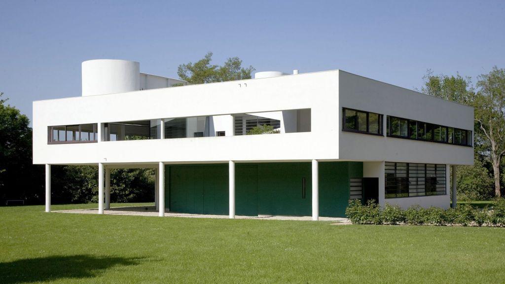 La Villa Savoye construite par Le Corbusier (Charles Edouard Jeanneret Gris) a Poissy en 1928-1931 -------- Ce site respecte le droit d'auteur. Tous les droits des auteurs des oeuvres protégées reproduites et communiquées sur ce site, sont réservés. Sauf autorisation, toute utilisation des oeuvres autres que la reproduction et la consultation individuelles et privées sont interdites. Pour les publier ou les diffuser, vous devez impérativement obtenir l'autorisation préalable de l'ADAGP ou de ses correspondants à l'étranger et acquitter les droits d'auteur correspondants: ADAGP 11 rue Berryer Paris Tel: (33) 1 43 59 09 79 Fax: (33) 1 45 63 44 89 Email: adagp@adagp.fr http: www.adagp.fr