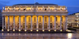 LE GRAND THEATRE, OPERA, PLACE DE LA COMEDIE, TRAMWAY, BORDEAUX, GIRONDE, AQUITAINE, FRANCE - Le Grand Theatre de Bordeaux ( Opera), et la Place de la Comede , la nuit. - Bordeaux - 33 - Gironde - [pas d'autorisation necessaire]